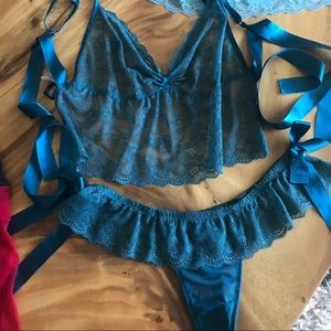 FREDRICKS OF HOLLYWOOD Sexy teal 2 pc lingerie set
